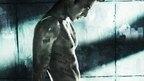 『アジョシ』監督イ・ジョンボムが描く、もうひとつのカタルシス。チャン・ドンゴン主演。完璧だった殺し屋が犯した、ただ一つの過ち。逃れようのない罪に、自ら課したラスト・ミッションとは――