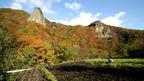日本の紅葉絶景 岩手県 馬仙峡の男神岩・女神岩 ~ 日本全国 紅葉狩り ~