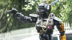 …ボクを…なぜ怖がるの?『第9地区』監督が描く人口知能「AI」